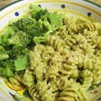 Creamy Avocado Pasta & Faux Parmesan